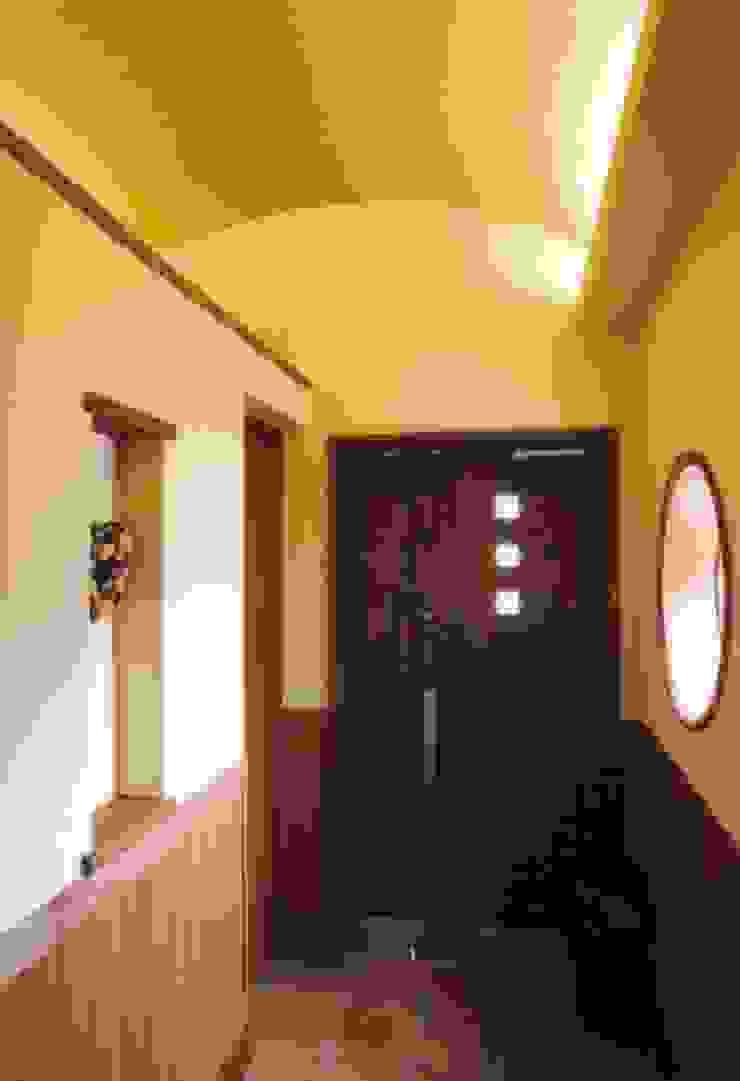 夙川の家 モダンスタイルの 玄関&廊下&階段 の 株式会社 atelier waon モダン