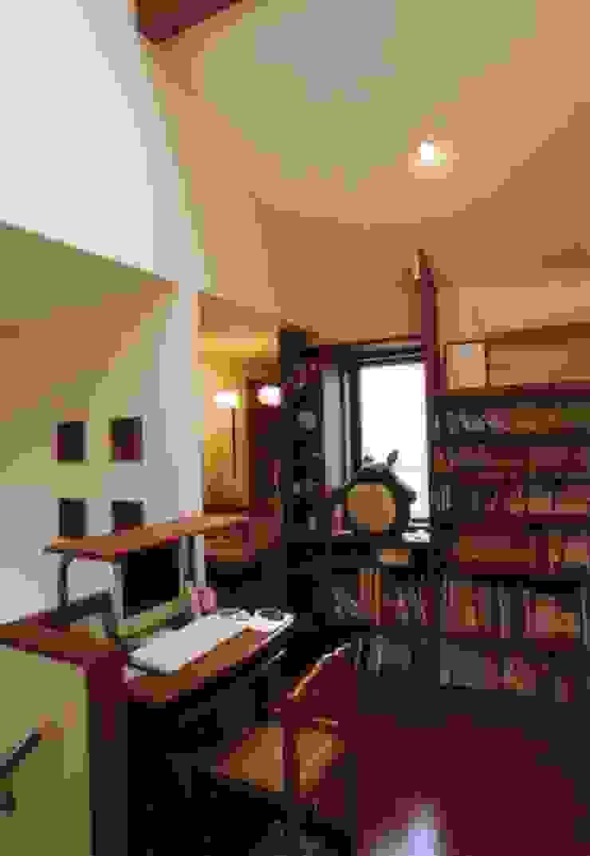夙川の家 モダンデザインの 多目的室 の 株式会社 atelier waon モダン