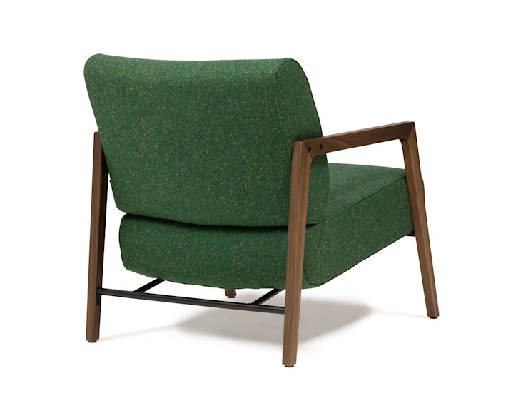 Harvink Fauteuil Fraai in Bute Tweed, frame Amerikaans notenhout van Harvink Scandinavisch Hout Hout