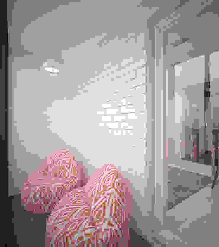 Квартира 55 кв.м. в ЖК <q>Европейский берег</q> Балкон и терраса в стиле минимализм от Студия дизайна Виктории Силаевой Минимализм
