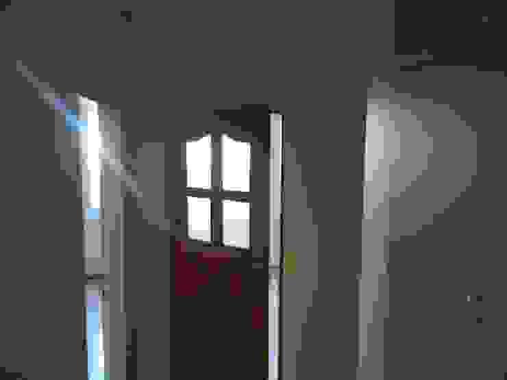 Elvan Kent Nergül Hanım Modern Pencere & Kapılar Blue Home Modern Ahşap Ahşap rengi