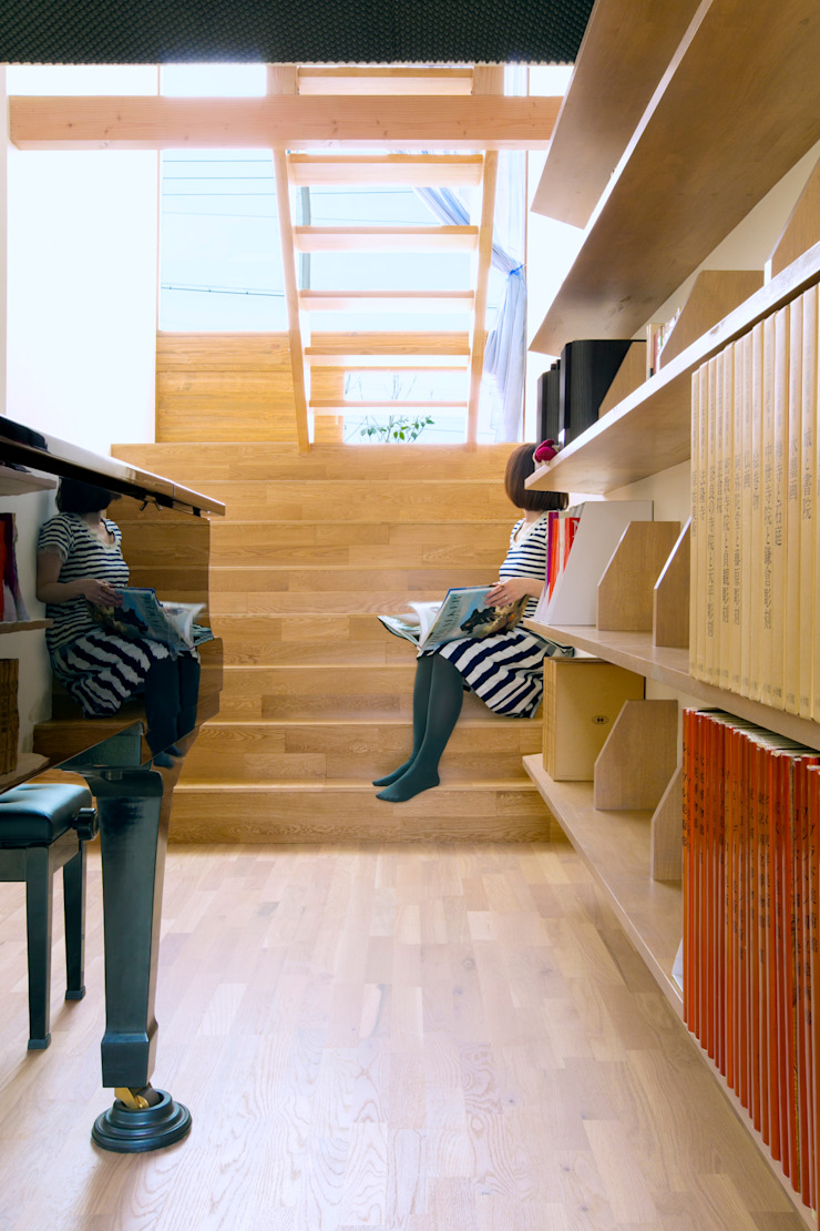 outtuck & outside オリジナルスタイルの 玄関&廊下&階段 の fabricscape オリジナル