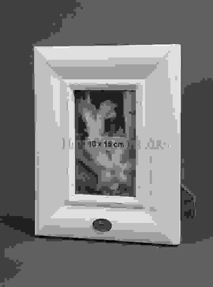 Фоторамка V205 от LeHome Interiors Классический МДФ
