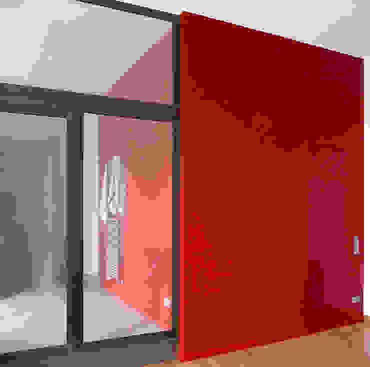 Modern style dressing rooms by Meylenstein Modern