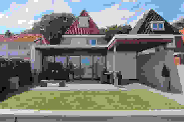 Uitbreiding woning Terschelling Moderne eetkamers van Heldoorn Ruedisulj Architecten Modern