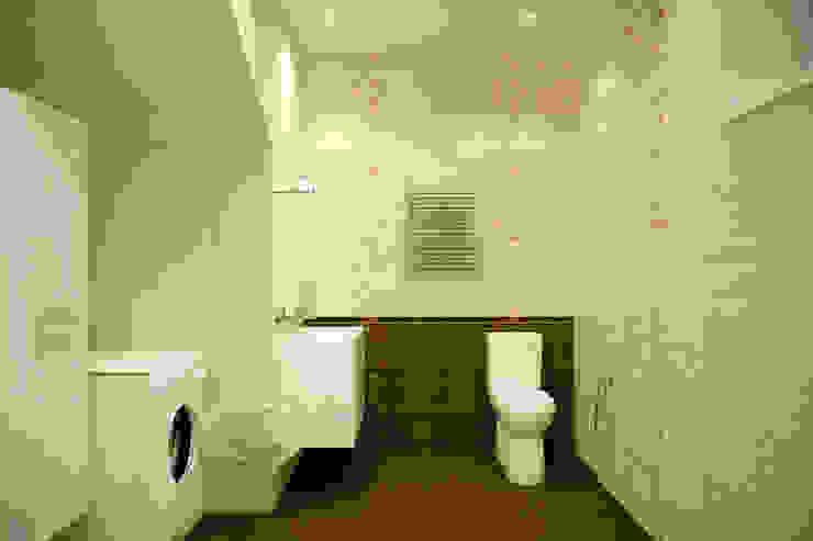Baños de estilo  por Студия интерьерного дизайна happy.design