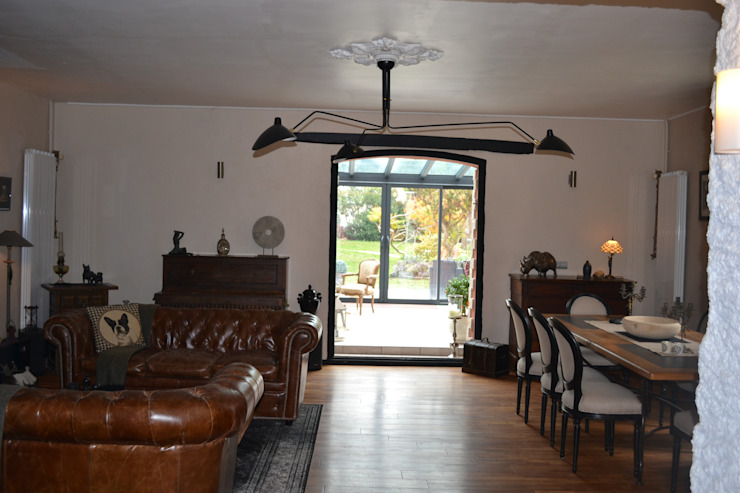 Aménagement d'espaces et décoration d'intérieur pour une maison d'Hôtes Salle à manger originale par KREA Koncept Éclectique