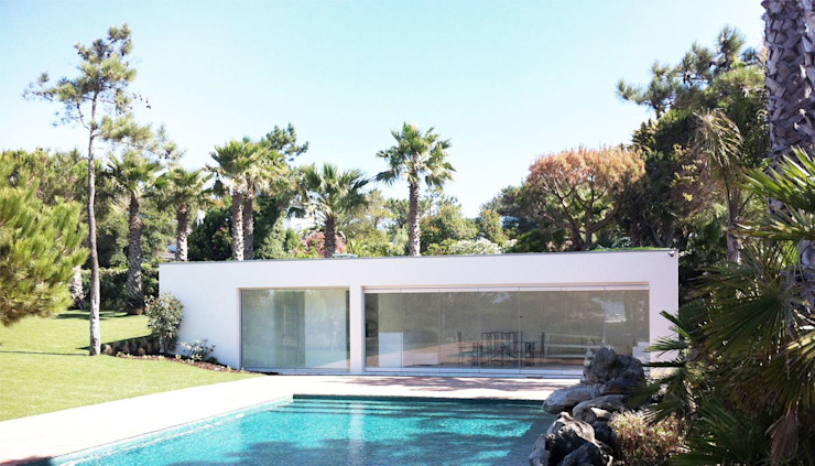 Qta. da Marinha | Apoio de Piscina Piscinas modernas por MARQA - Mello Arquitetos Associados Moderno
