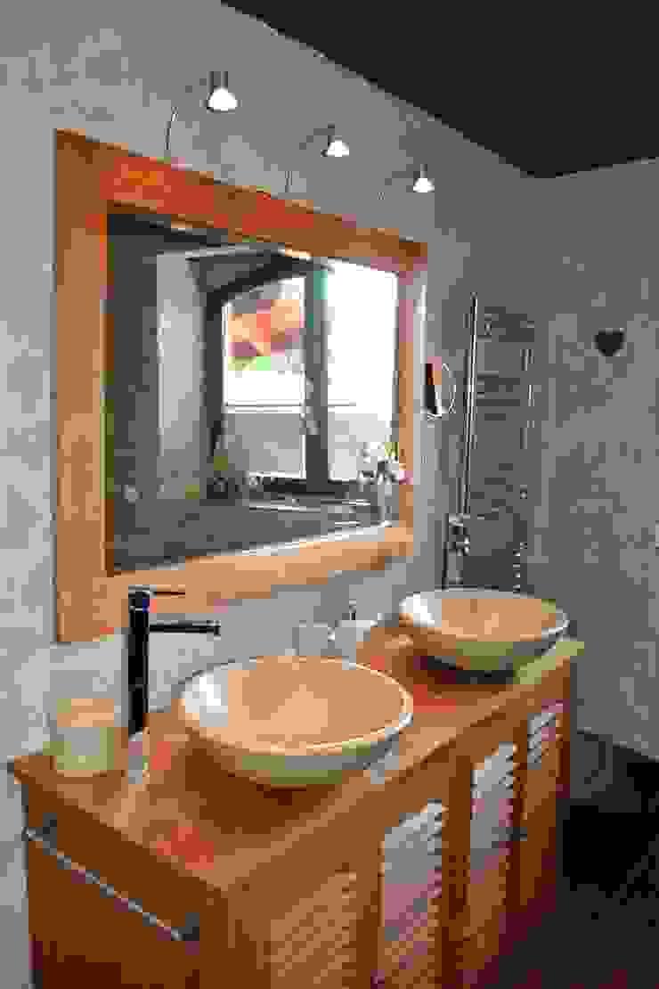 salle d'eau de la chambre Ethnique Salle de bain originale par KREA Koncept Éclectique