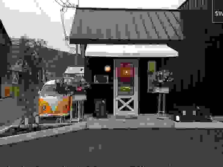 店舗入り口 オリジナルな 家 の 福井建築設計室 オリジナル アルミニウム/亜鉛