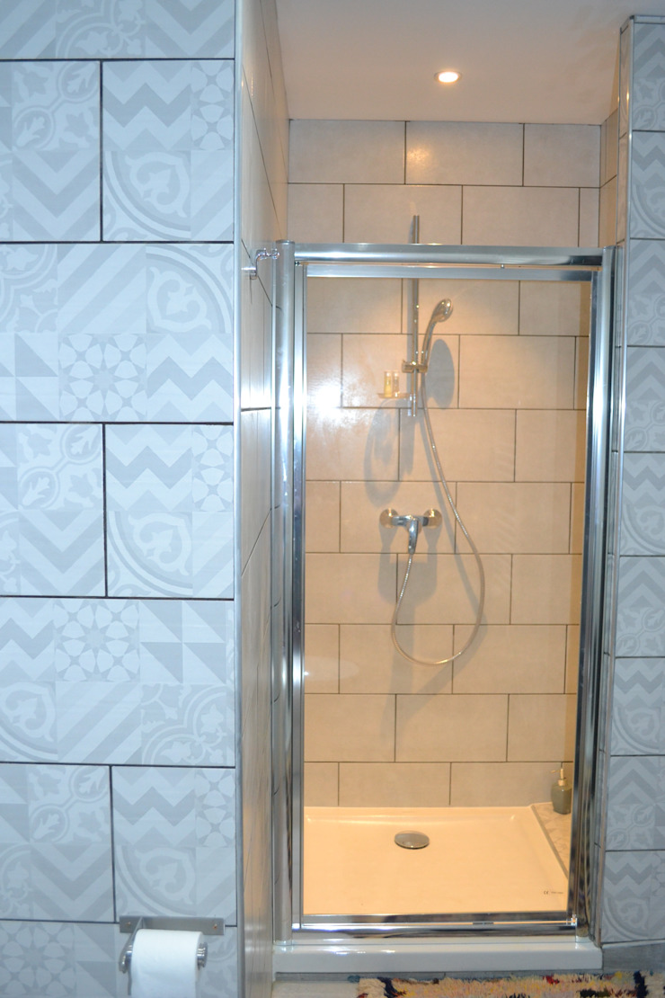 KREA Koncept Eclectic style bathroom