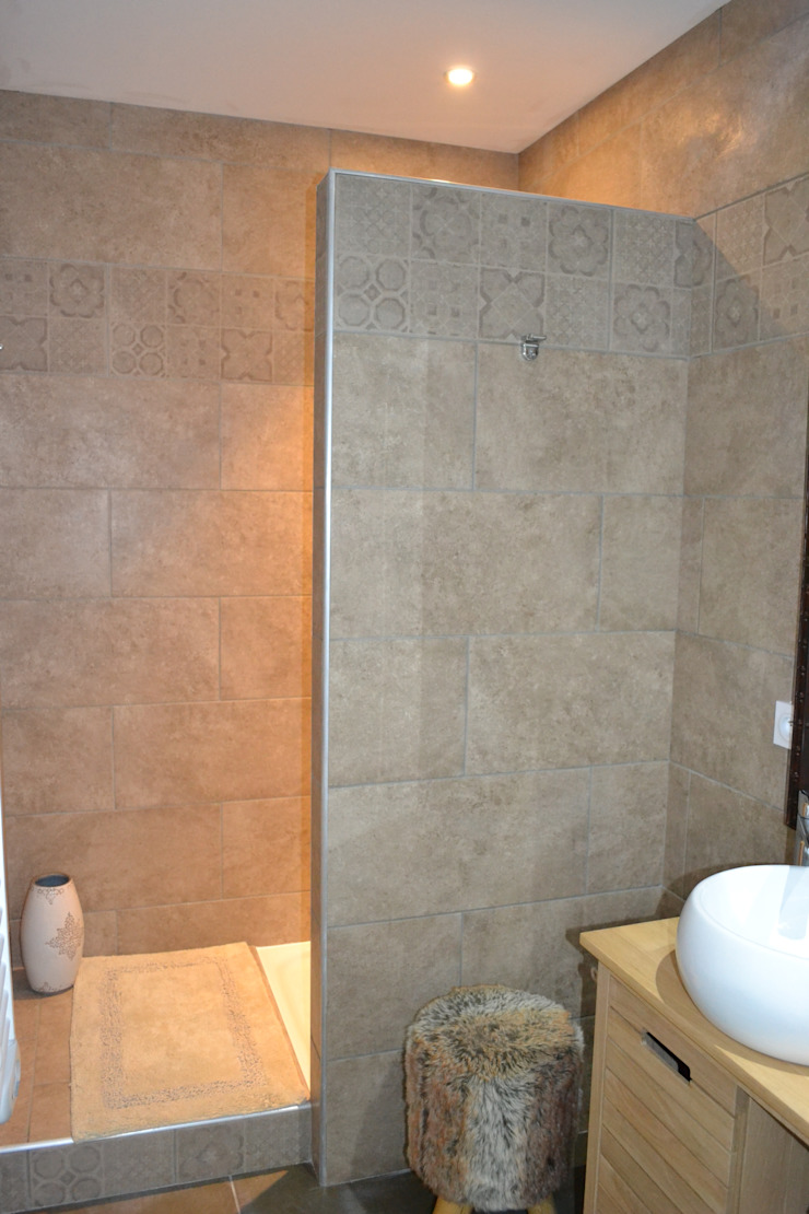 Salle d'eau chambre Néo-scandinave Salle de bain originale par KREA Koncept Éclectique