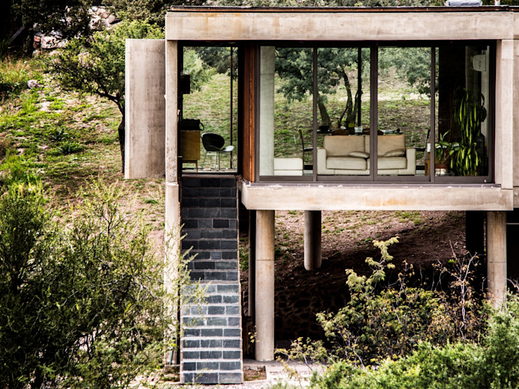 Modern houses by Arq. Santiago Viale Lescano Modern