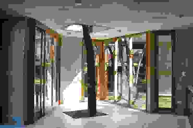 QUINCHO EN LOMAS Jardines modernos: Ideas, imágenes y decoración de Arq. Santiago Viale Lescano Moderno