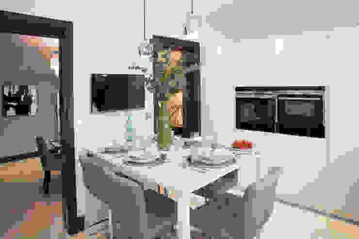 Parkside II JHR Interiors KitchenCutlery, crockery & glassware