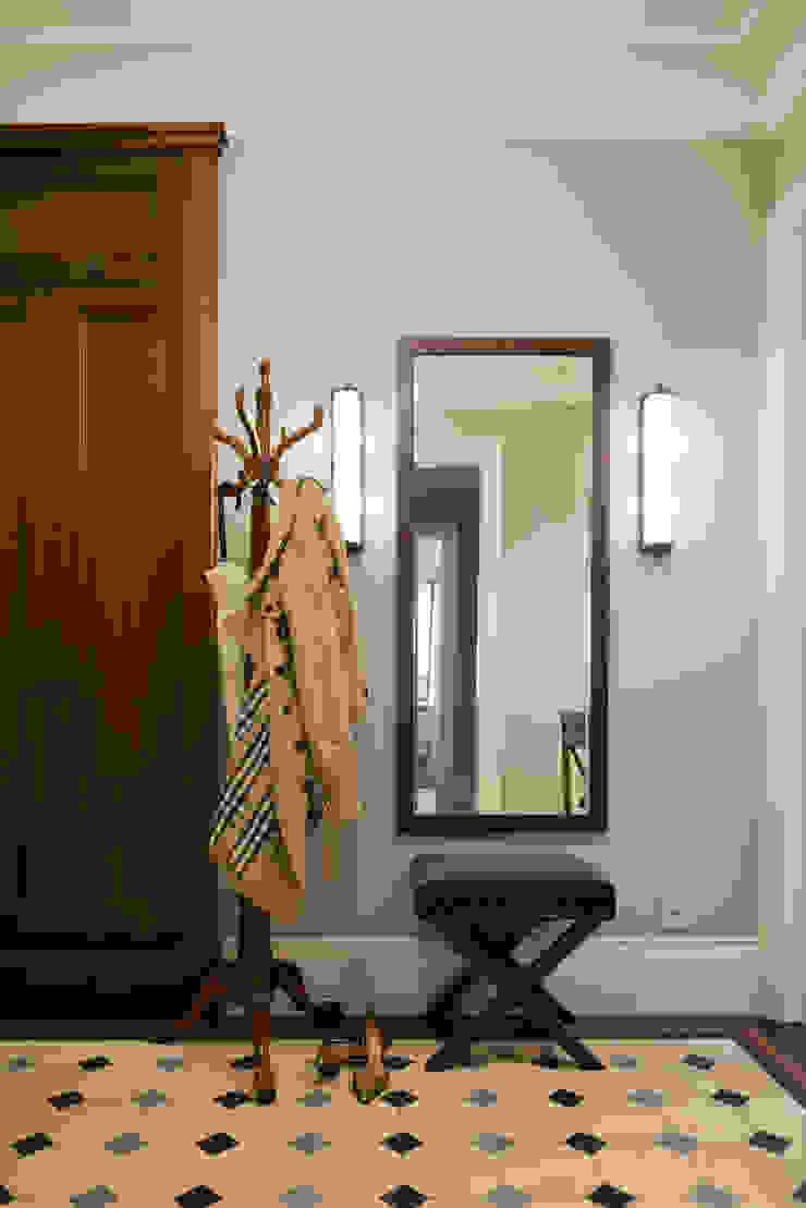 Фрунзенская 24 Коридор, прихожая и лестница в классическом стиле от KA Классический