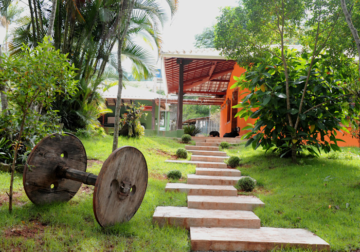 Houses by Jaqueline Vale Arquitetura, Rustic