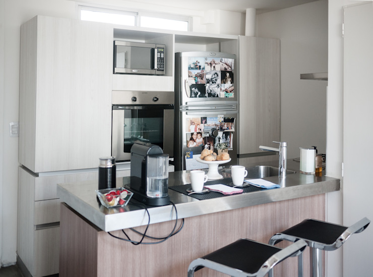 Nowoczesna kuchnia od MeMo arquitectas Nowoczesny