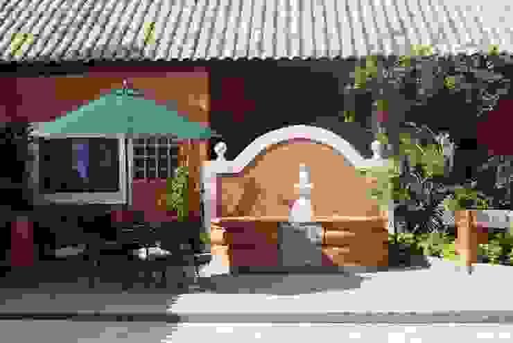 Fonte Pátio Interno Casas rústicas por Daniela Zuffo Arquitetura e Interiores Rústico