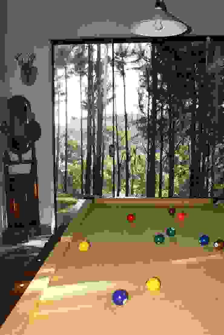 Sala de Jogos Salas de estar rústicas por Daniela Zuffo Arquitetura e Interiores Rústico