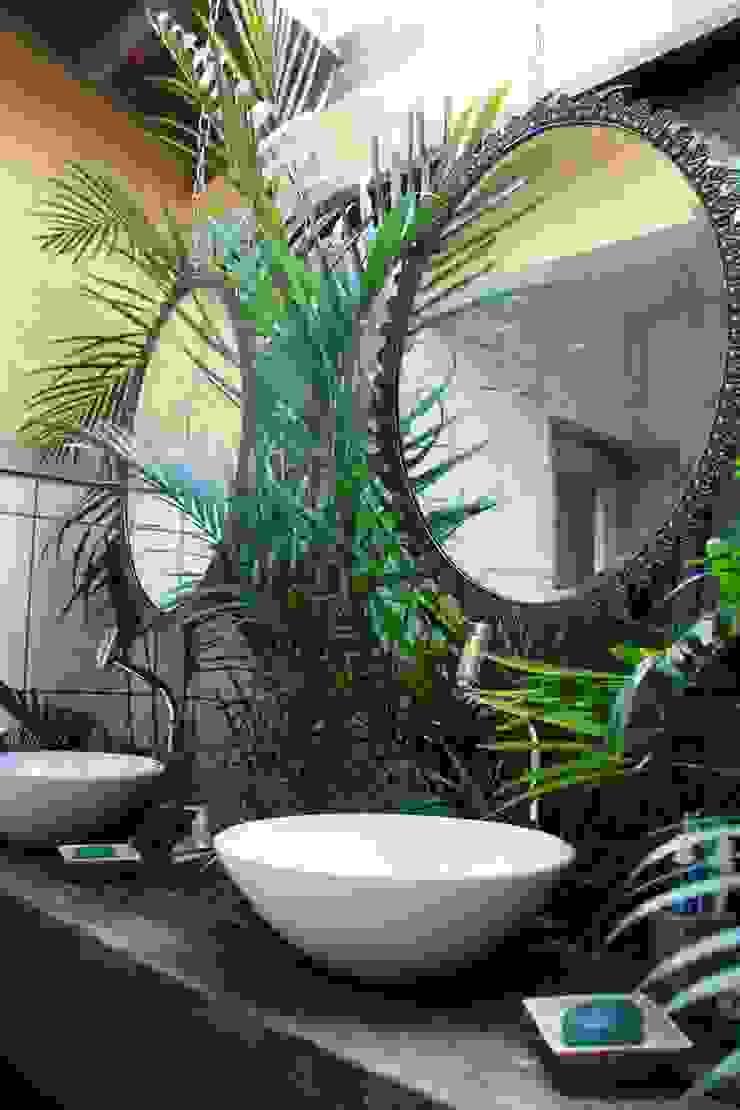 Banheiro Jardim Banheiros rústicos por Daniela Zuffo Arquitetura e Interiores Rústico