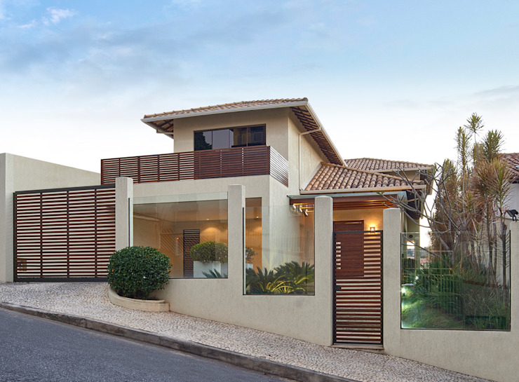 現代房屋設計點子、靈感 & 圖片 根據 Isabela Canaan Arquitetos e Associados 現代風