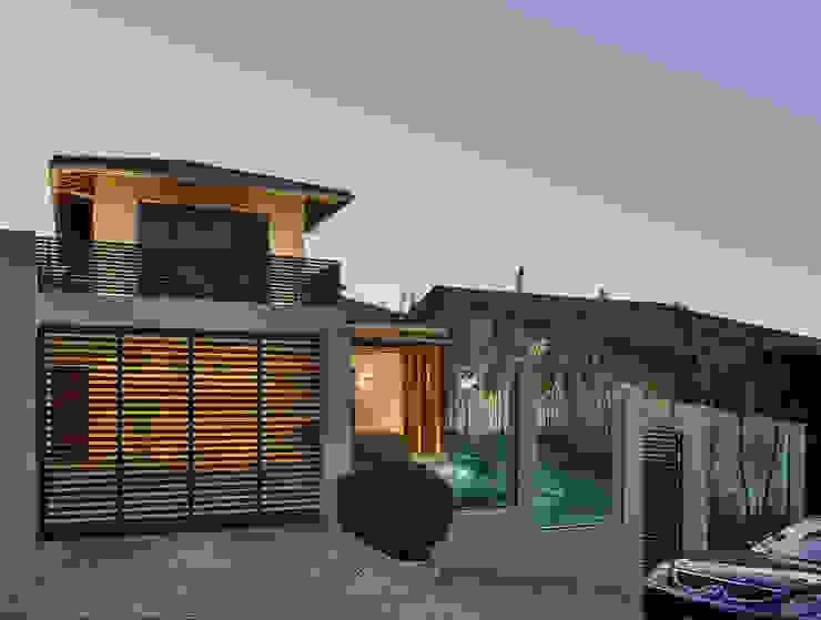 Casas de estilo moderno de Isabela Canaan Arquitetos e Associados Moderno