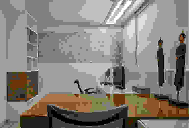 Studeerkamer/kantoor door Isabela Canaan Arquitetos e Associados,
