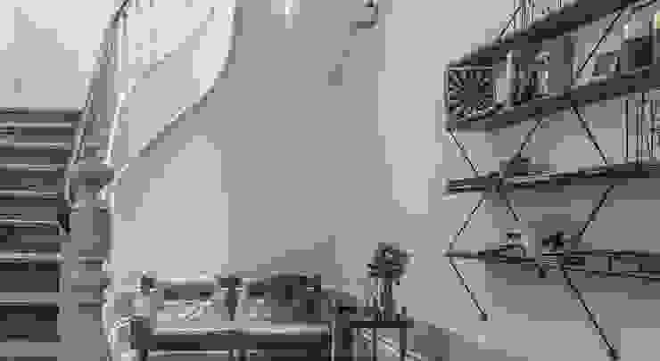 malmerendas Corredores, halls e escadas modernos por mundano lda Moderno