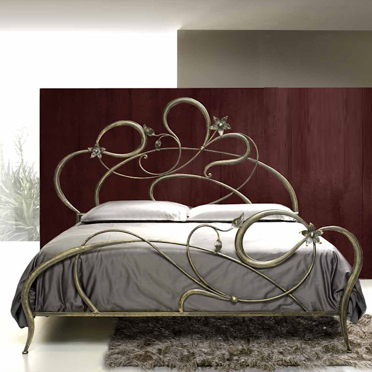 'Ane' Hand made wrought iron Italian bed by Cosatto por My Italian Living Moderno Ferro/Aço