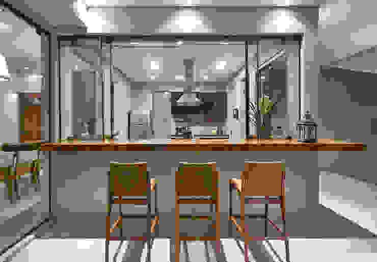 Projekty,  Taras zaprojektowane przez Isabela Canaan Arquitetos e Associados,