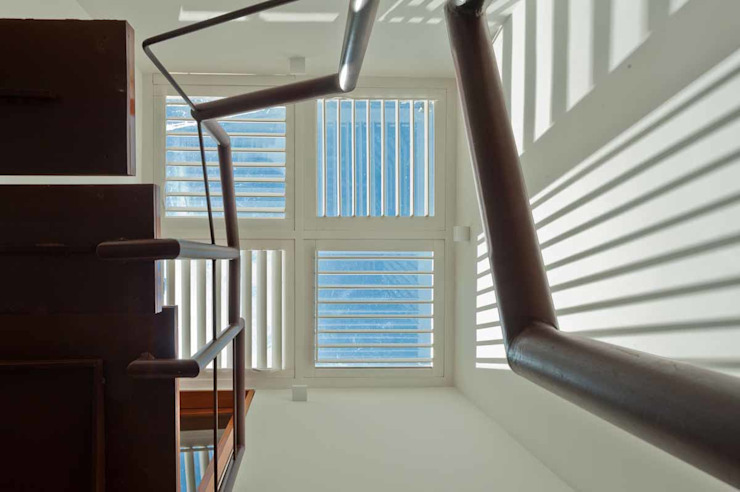 Estudios y despachos de estilo  de MPV Arquitetura Ltda