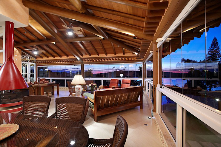 Rustic style balcony, veranda & terrace by Moran e Anders Arquitetura Rustic