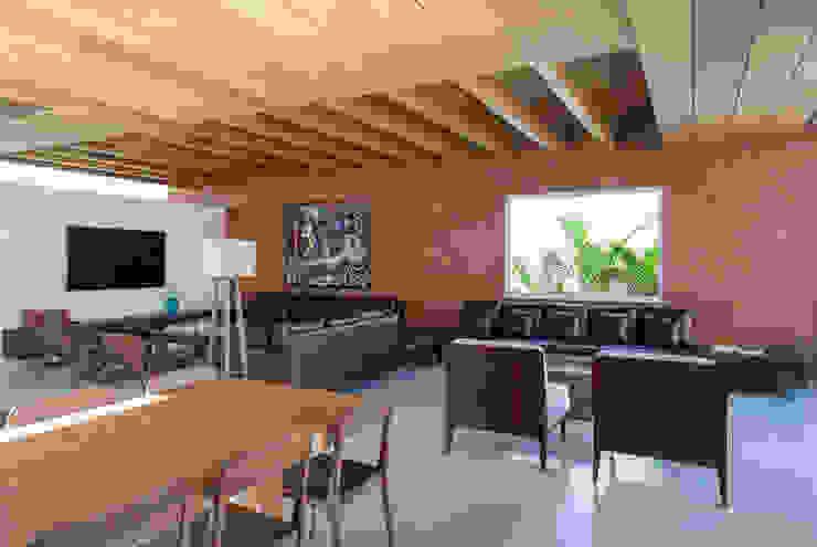 Moderne woonkamers van Joana França Modern