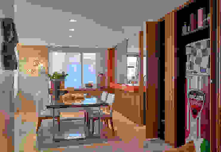 Apartamento ME Salas de jantar modernas por Isabela Canaan Arquitetos e Associados Moderno