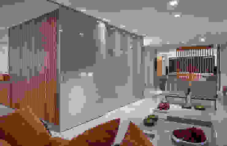 Isabela Canaan Arquitetos e Associados Salon moderne
