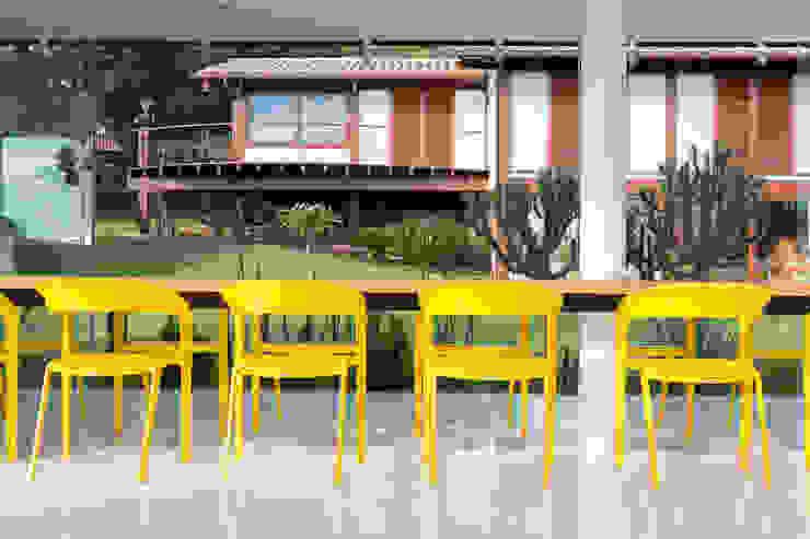 Pavilhão gourmet, arquiteto Eduardo Brito Salas de jantar minimalistas por Joana França Minimalista