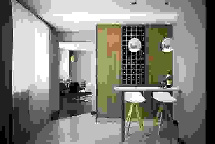 КРАСКИ ЖИЗНИ Кухня в стиле модерн от Дизайн студия Алёны Чекалиной Модерн
