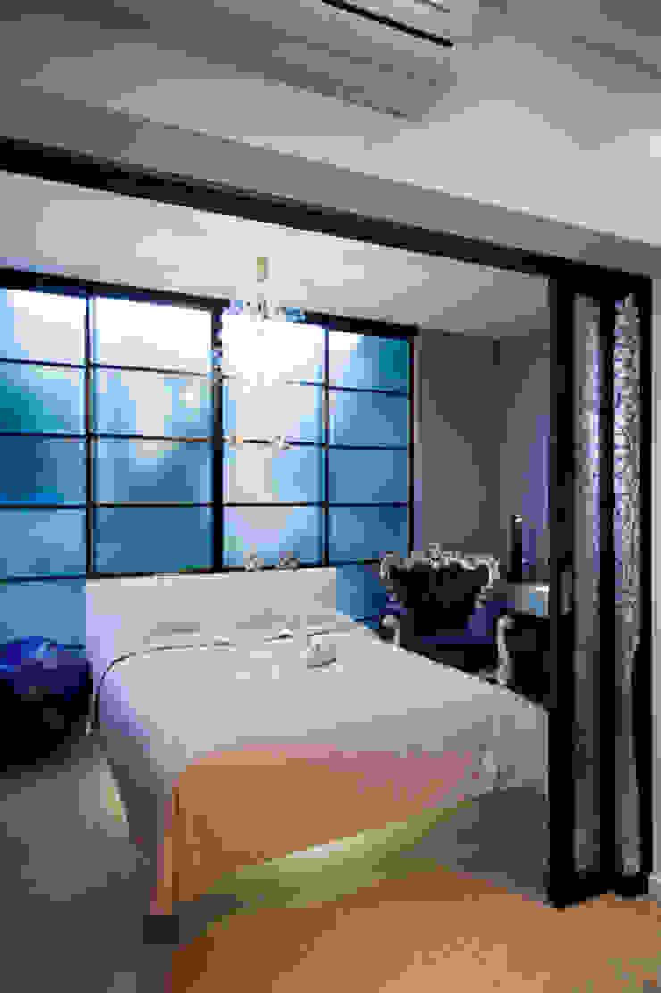Спальня Спальня в эклектичном стиле от Бюро9 - Екатерина Ялалтынова Эклектичный