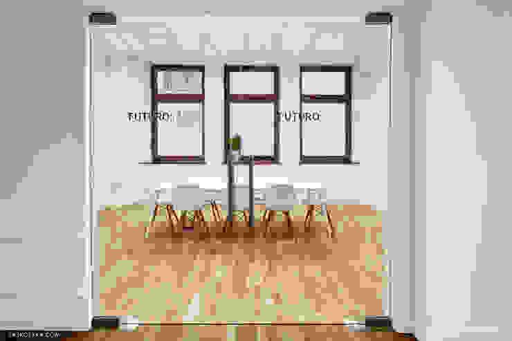 Wnętrza biurowe 'Futuro Finance' - meeting room od DOKTOR ARCHITEKCI Minimalistyczny Drewno O efekcie drewna