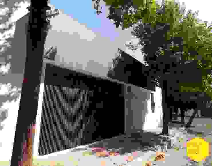 Rumah Minimalis Oleh ZTUDIO-ARQUITECTURA Minimalis