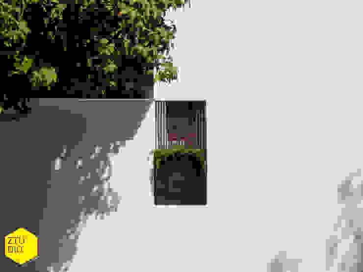 Número Casas minimalistas de ZTUDIO-ARQUITECTURA Minimalista