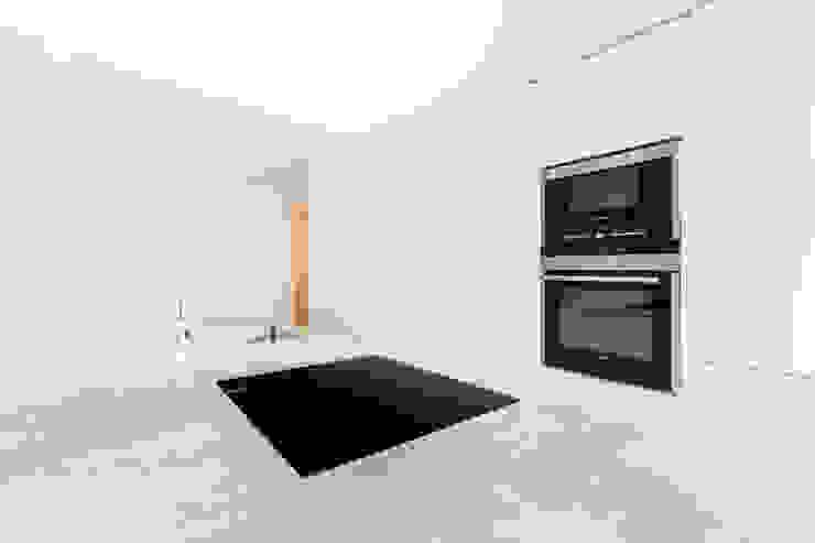 Cocinas de estilo minimalista de Construccions i Reformes Miquel Munar SL Minimalista