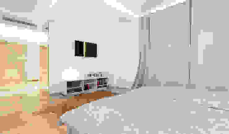 Habitaciones de estilo minimalista de Construccions i Reformes Miquel Munar SL Minimalista
