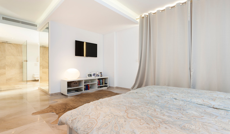 Chambre minimaliste par Construccions i Reformes Miquel Munar SL Minimaliste