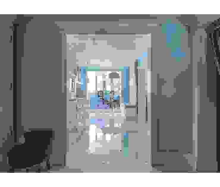 ЖК Альбатрос Коридор, прихожая и лестница в классическом стиле от Home Emotions Классический