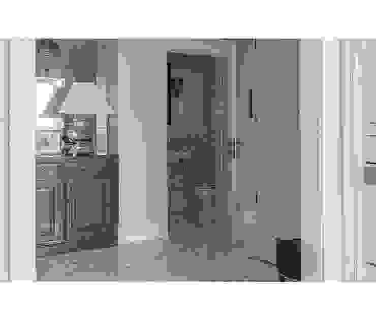 Home Emotions Ingresso, Corridoio & Scale in stile classico