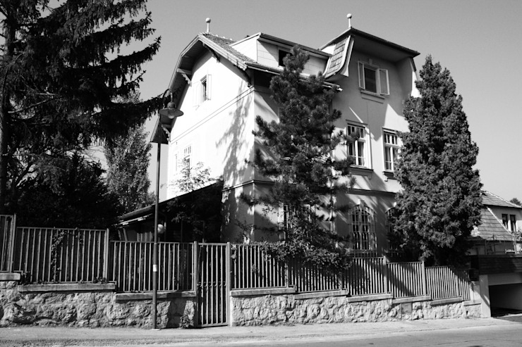 Sanierung Jugendstilvilla in Perchtoldsdorf Classic style houses by illiz architektur Wien Zürich Classic