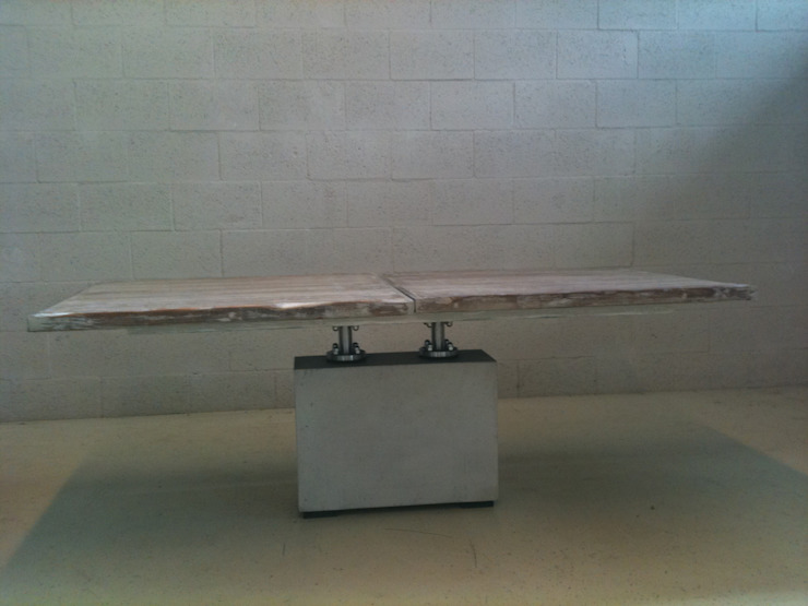 handgemaakt designtafel van rob schipper Industrieel