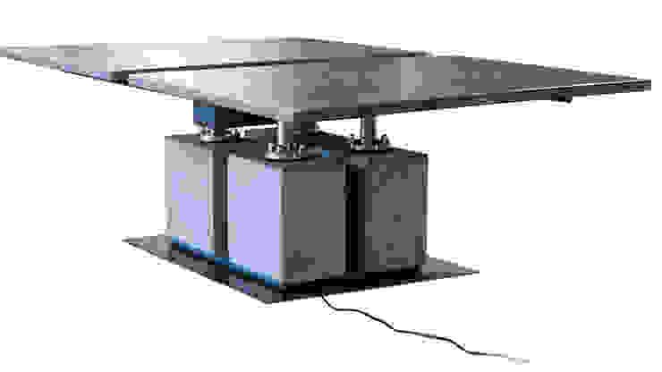 grote tafel met kabelgoot van rob schipper Industrieel